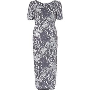 Kakigroene maxi-jurk met camouflageprint en strik achter