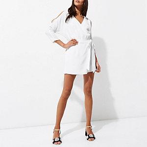 Combi-short blanc drapé façon jupe-short à épaules dénudées