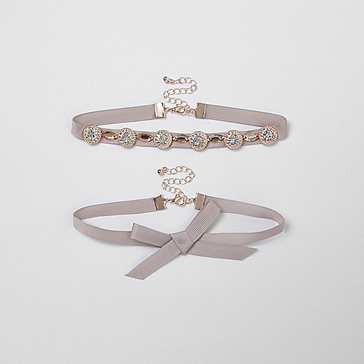 Light pink bow embellished ribbon choker set