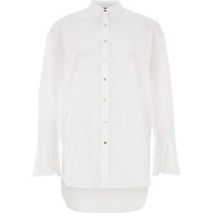 Chemise oversize blanche à poignets plissés
