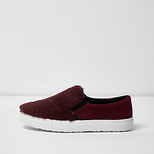 Dark red furry front slip on plimsolls