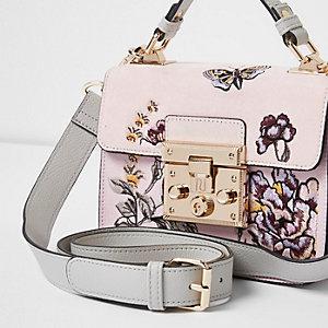Roze geborduurde satchel met klein slotje voor