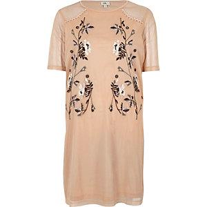 T-Shirt-Kleid in Hellrosa mit Verzierung