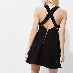Petite – Schwarzes Skater-Kleid