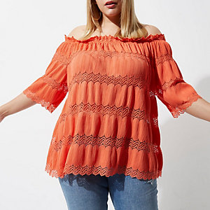 Plus – Top Bardot orange avec dentelle