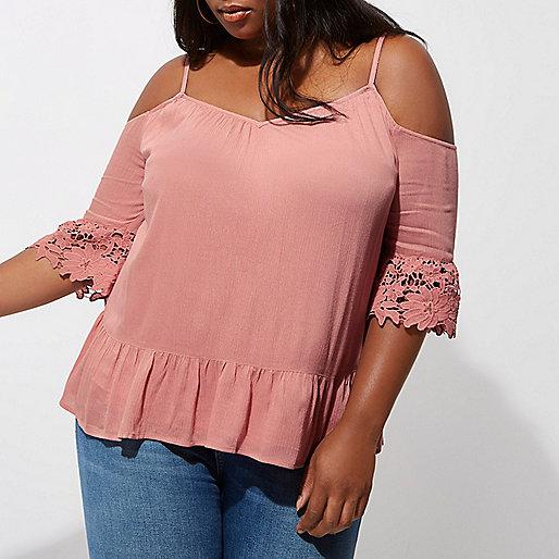 Plus light pink cold shoulder lace cuff top