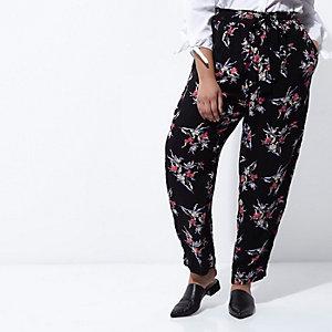Plus – Pantalon de jogging fuselé noir à fleurs