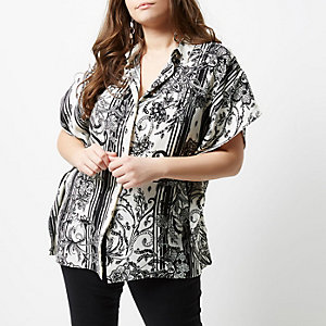 Plus black mono floral print oversized shirt