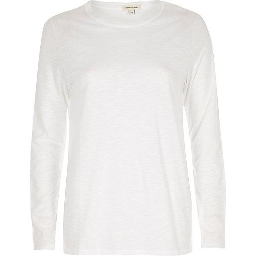 Wit T-shirt met ronde hals en lange mouwen