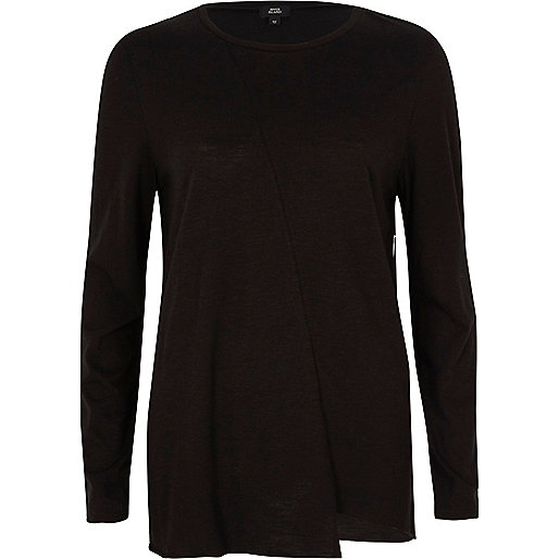 Black stepped hem long sleeve T-shirt