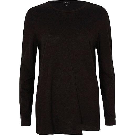 T-shirt noir asymétrique à manches longues