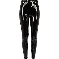 Schwarze Skinny Hose mit hohem Bund