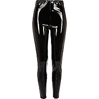 Pantalon skinny en vinyle noir taille haute