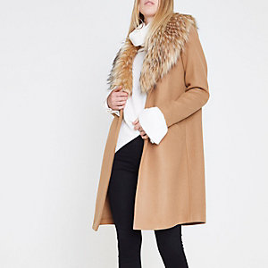 Camel faux fur collar coat