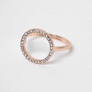 Roségoudkleurige ring met cirkel bezet met siersteentjes
