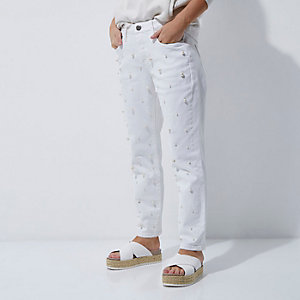 RI Petite - Witte boyfriend jeans met imitatieparels