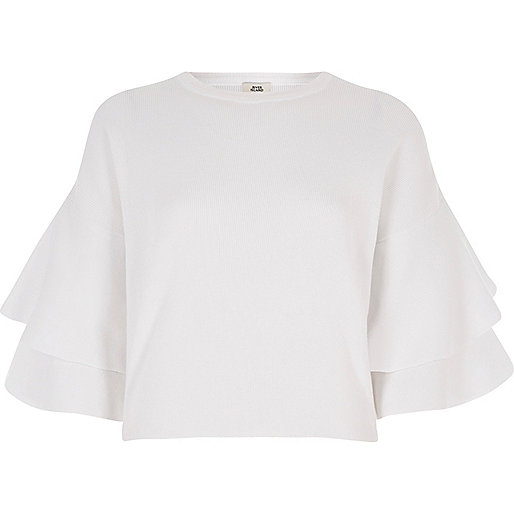 White frill sleeve sweater