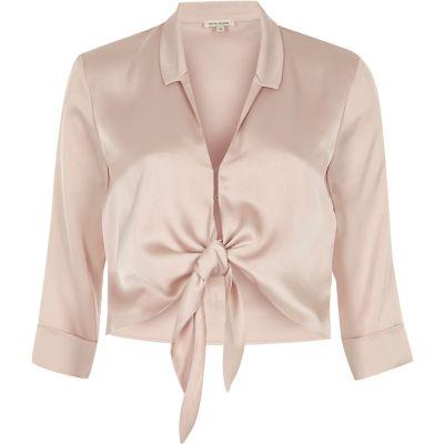 Roze satijnen cropped overhemd met strik voor