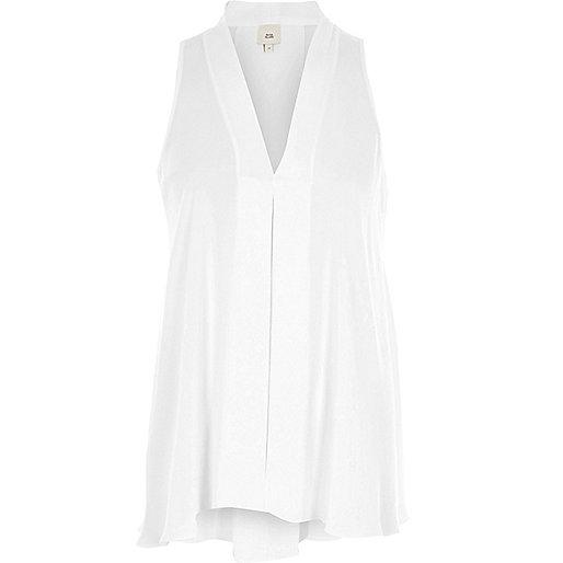 White V neck sleeveless swing blouse