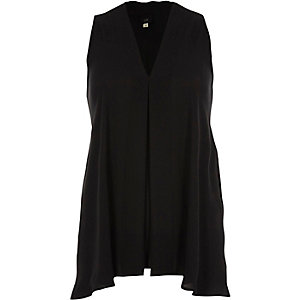 Black V neck sleeveless swing blouse