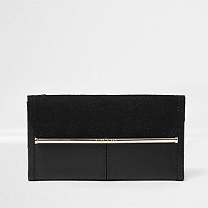 Zwarte smalle portemonnee met goudkleurige balk