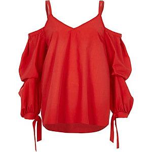 Top en popeline rouge à épaules dénudées et liens aux poignets