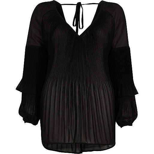 Black plisse frill sleeve blouse