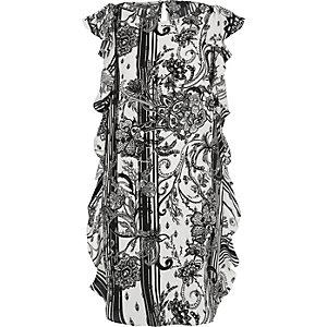 Schwarzes geblümtes Swing-Kleid mit Rüschen