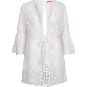 White embroidered flare sleeve beach kaftan
