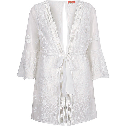 White embroidered flare sleeve beach kaftan
