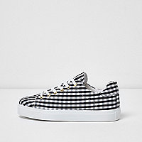 Black gingham print sneakers