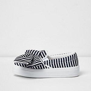 Black stripe oversized bow flatform plimsolls