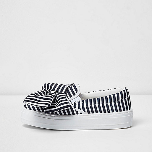 Black stripe oversized bow flatform plimsolls