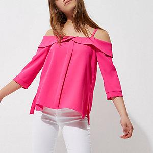 Petite – Pinkes Oberteil mit Schulterausschnitten und Rüschen