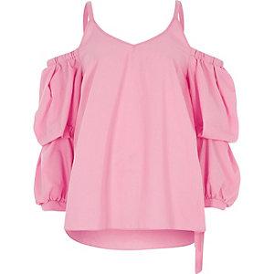 Pinkes Oberteil mit Schulterausschnitten