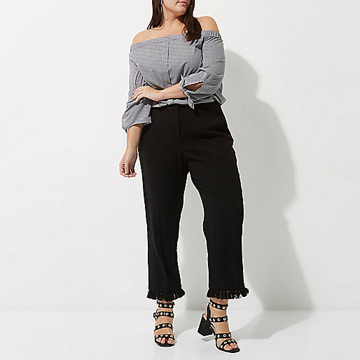 Plus black tassel hem cropped trousers