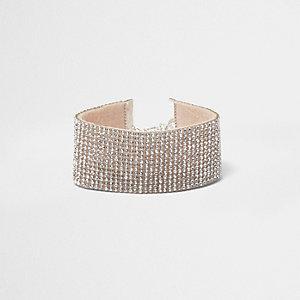 Bracelet argenté orné de strass