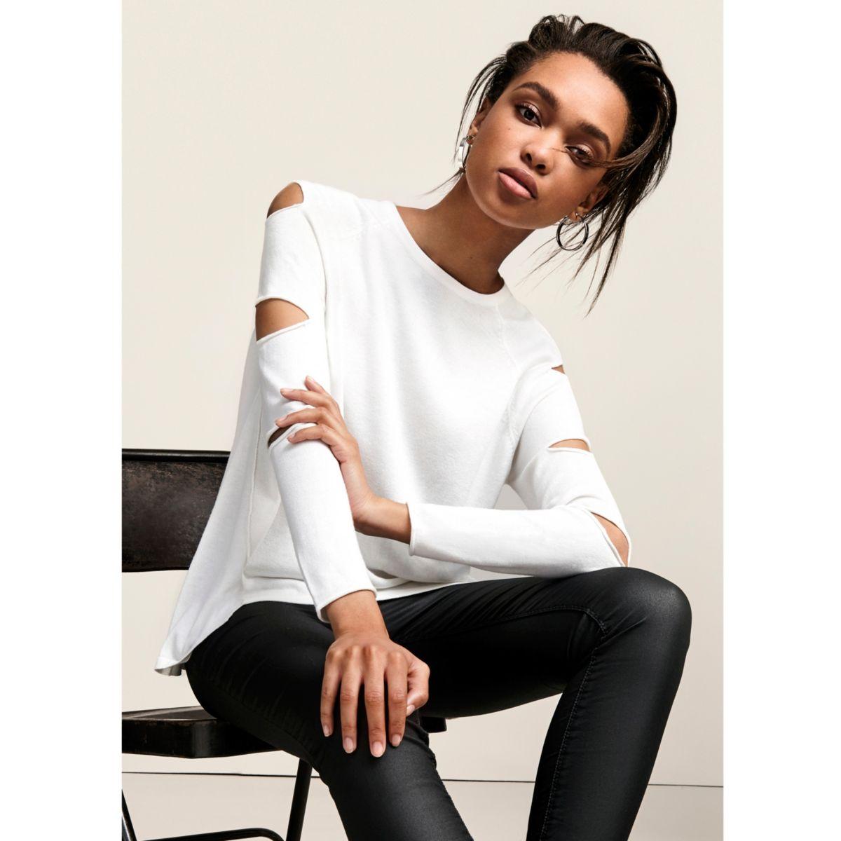 White long slash sleeve top