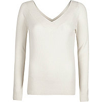 White rib knit V neck top