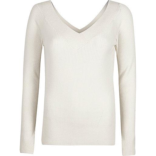 White rib knit V neck top