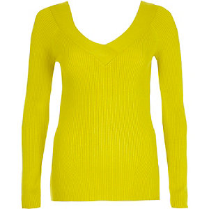 Lime rib knit V neck fitted top