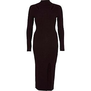Donkerpaarse bodycon trui-jurk met uitsnede