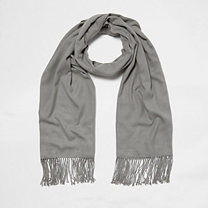 Grey blanket scarf