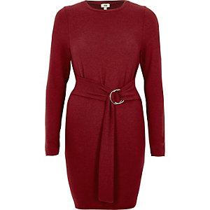 Robe pull prune avec manches longues et ceinture à anneau