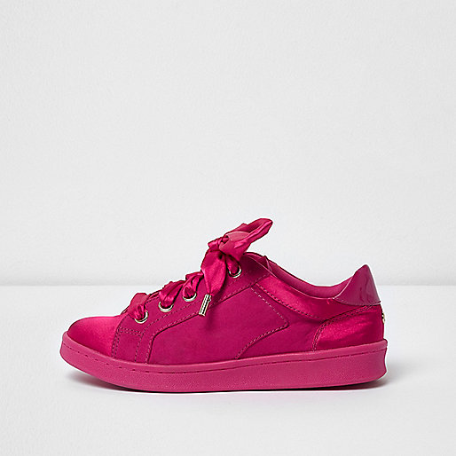 Bright pink ribbon lace-up sneakers