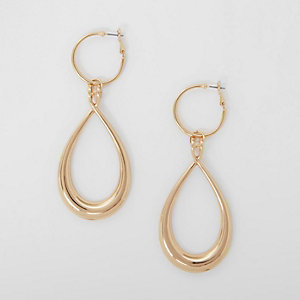 Boucles d'oreille dorées avec pendentif goutte d'eau