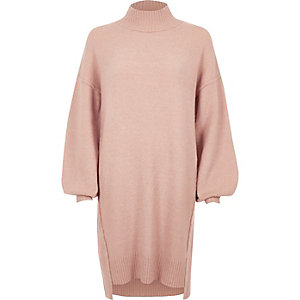 Robe pull en maille rose clair à manches bouffantes