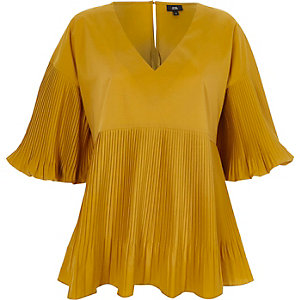 Dark yellow pleated V neck puff sleeve top