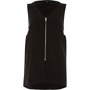 Zwart ruimvallend hemdje met rits voor en V-hals