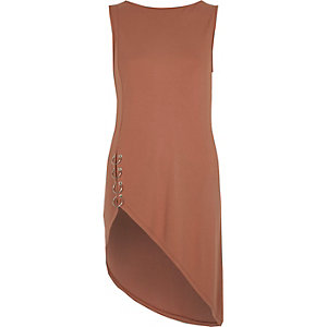 Pink sleeveless asymmetric hem ring top